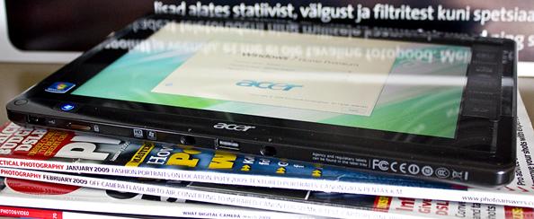 Что в коробке: планшетный компьютер Acer Iconia Tab W500 с ОС Windows 7