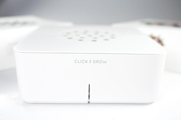 Что в коробке: футуристичный цветочный горшок Click and Grow