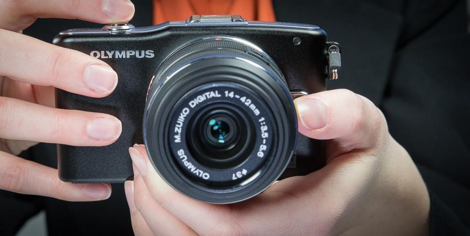Что в коробке: беззеркальная камера Olympus E-PM1