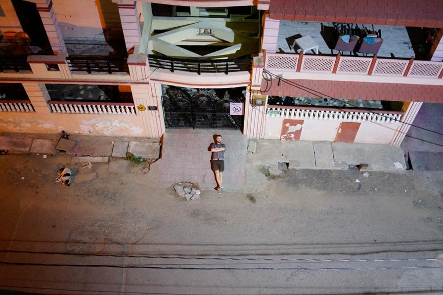 С компактной камерой в Индию.