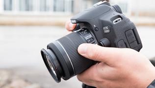 Что в коробке: зеркальная камера Canon EOS 700D