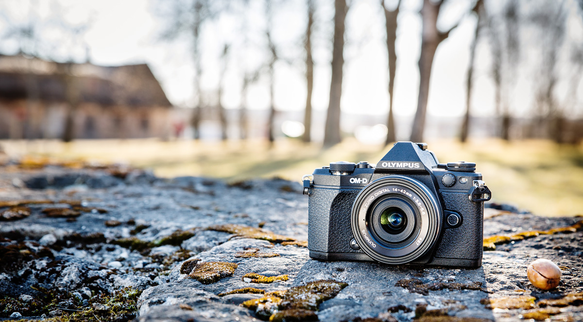 Что в коробке: беззеркальная камера Olympus OM-D E-M5 Mark II