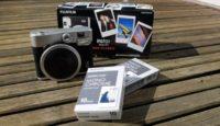 У Fujifilm выходит черно-белая фотопленка для камер Instax