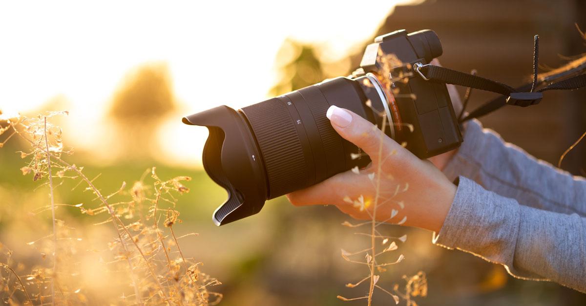 Видео: Tamron 28-75 мм f/2.8 Di III RXD - идеальный объектив для беззеркальных камер Sony