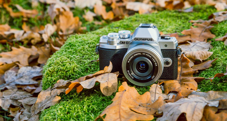 Может купить хорошую беззеркальную камеру Olympus?