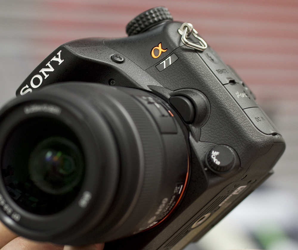 Karbist välja: Sony a77 hübriidkaamera