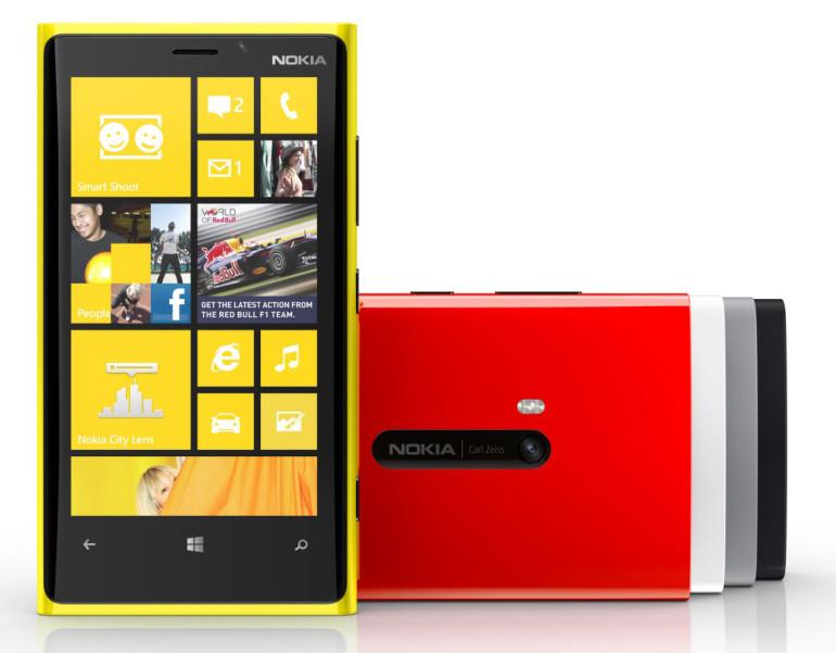 Nokia esitleb oma uut nutitelefonide lipulaeva Lumia 920. Investorid ja tehnikafriigid on pettunud