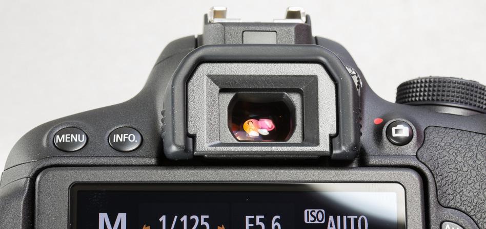 canon-eos-700d-peegelkaamera-photopoint-115