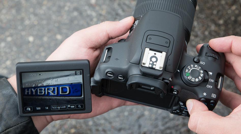 canon-eos-700d-peegelkaamera-photopoint-202
