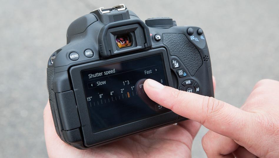 canon-eos-700d-peegelkaamera-photopoint-205