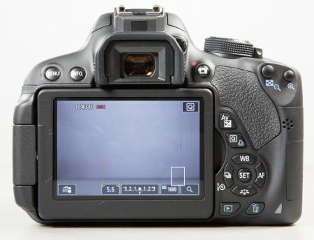 canon-eos-700d-peegelkaamera-photopoint-213