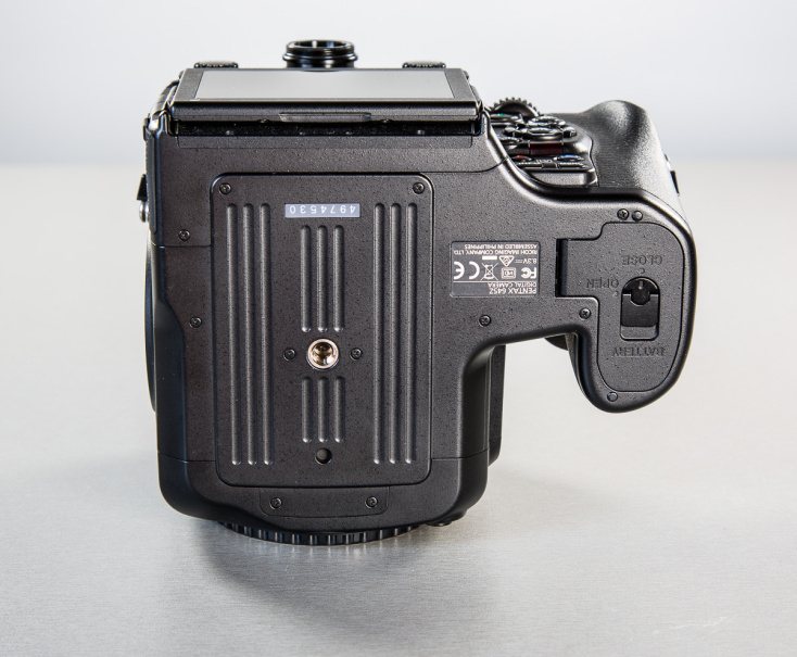 pentax-645z-medium-format-camera-photopoint-12