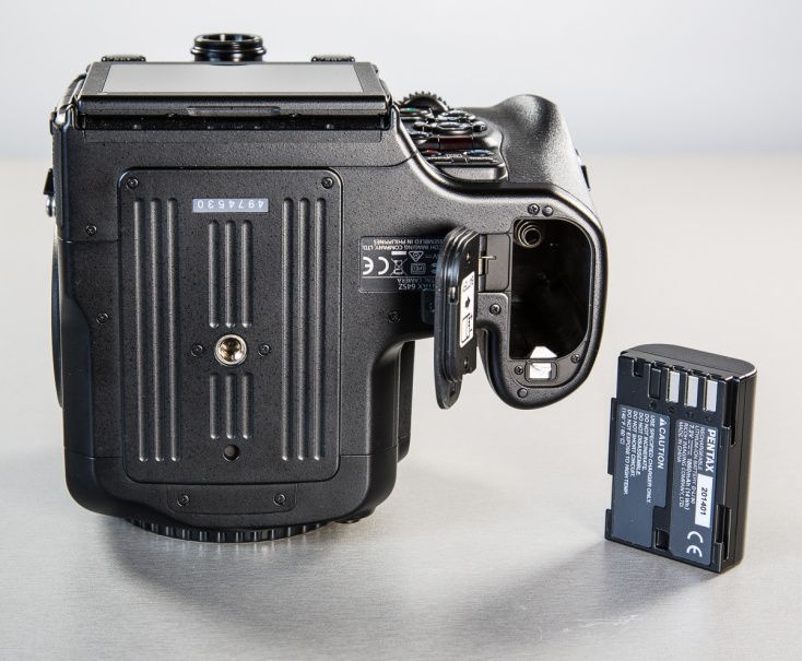 pentax-645z-medium-format-camera-photopoint-13