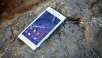 Veekindel nutitelefon soodsas vormis: Sony Xperia M2 Aqua