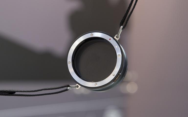Objektiivi vahetamine on imelihtne - GoWing objektiivihoidja Photokina fotomessil
