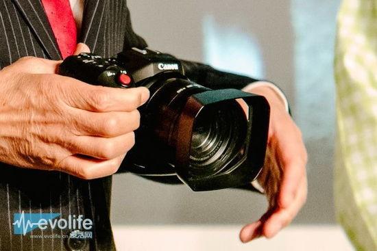Canon-4k-video-camera-3-550x367