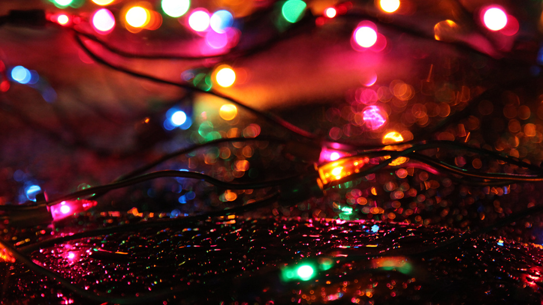 Christmas_lights_rain