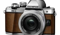 Olympus OM-D E-M10 II saab nahast viimistlusega erimudeli
