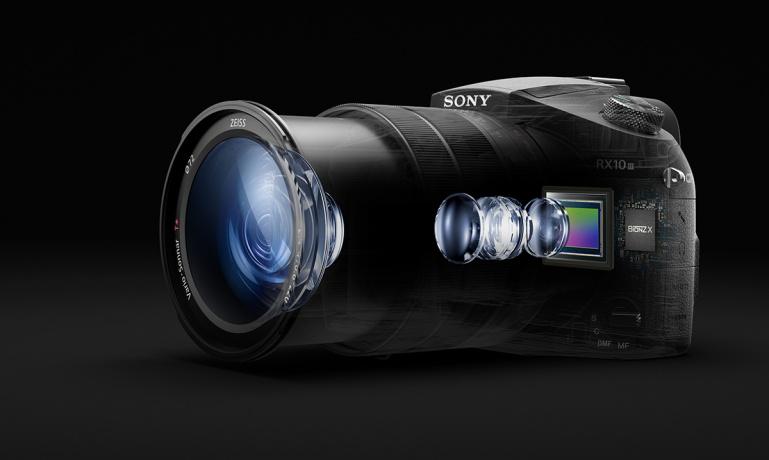 """Sony RX10 III on võimsa 24x suumi, 1"""" sensori ja profitasemel 4K videoga kõik-ühes kaamera"""