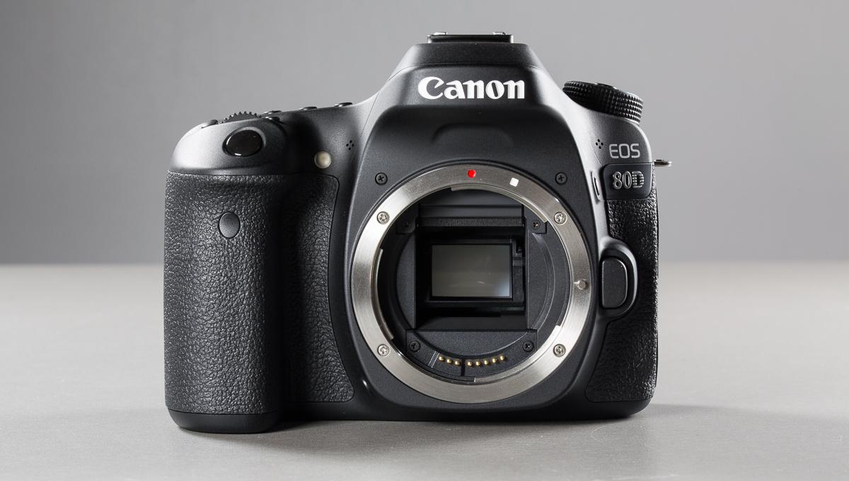canon-eos-80d--3