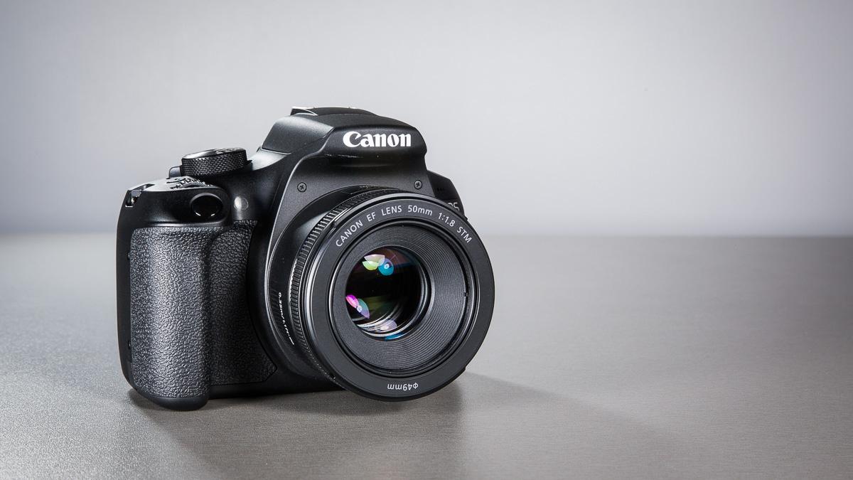 canon-eos-1300d-peegelkamera-50mm-objektiiv-photopoint-8