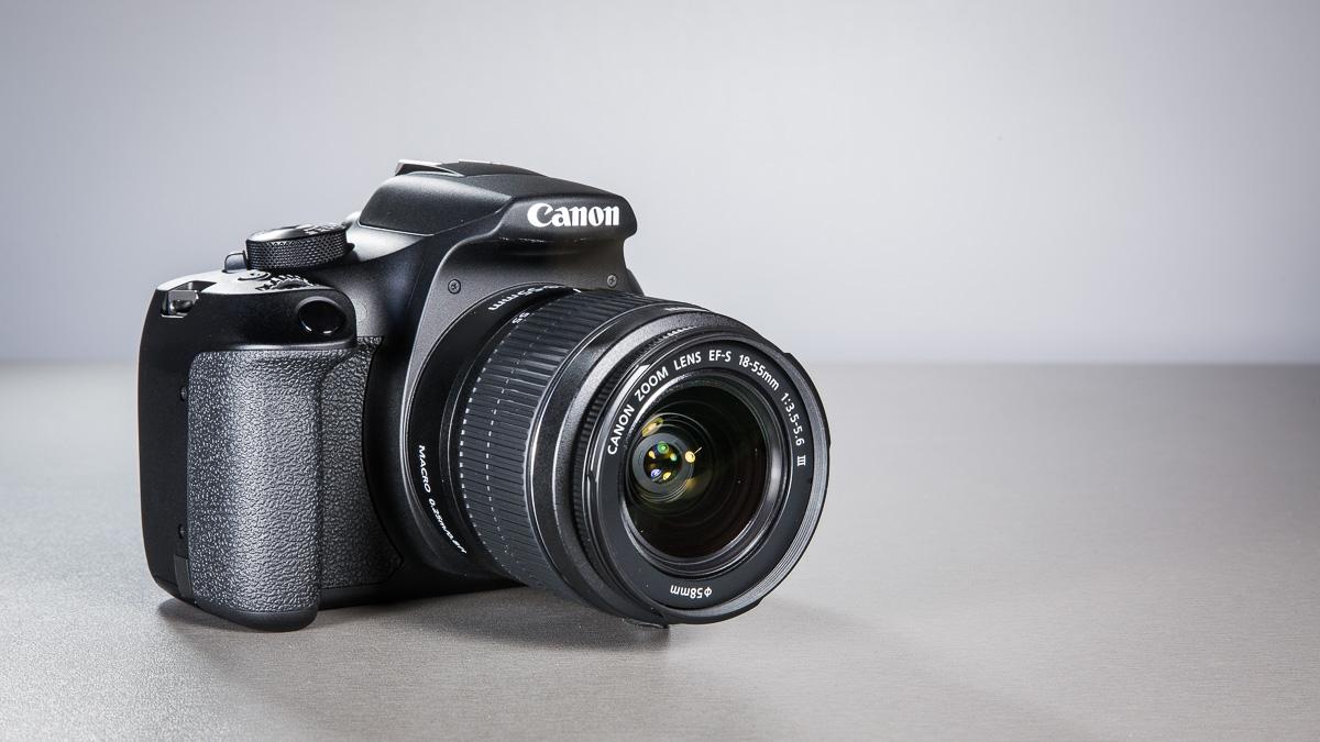canon-eos-1300d-peegelkamera-50mm-objektiiv-photopoint-9
