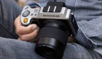 Hasselblad X1D on maailma esimene keskformaatsensoriga hübriidkaamera