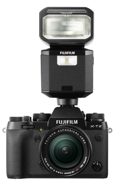 Fujifilm EF-X500 on ilmastikukindla korpuse ja kiire sünkroajaga tippklassi välklamp
