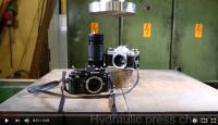 Gigantide duell - hüdrauliline press vs. Nikon ja Canon kaamera