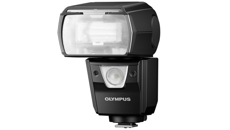 Olympuse välkude uus lipulaev FL-900R on mitmekesise funktsionaalsusega