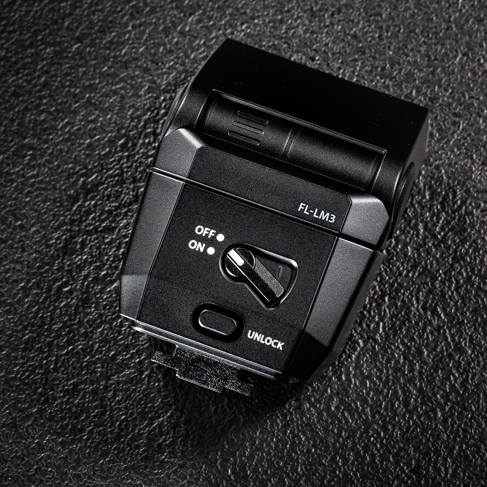 olympus-om-d-e-m-1-hybriidkaamera-photopoint-102-small