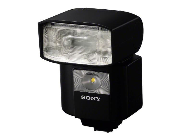 Sony tutvustas uut kompaktset välku HVL-F45RM