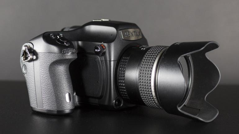 See Pentax 645Z keskformaatkaamera võib olla just sinu kasutuses