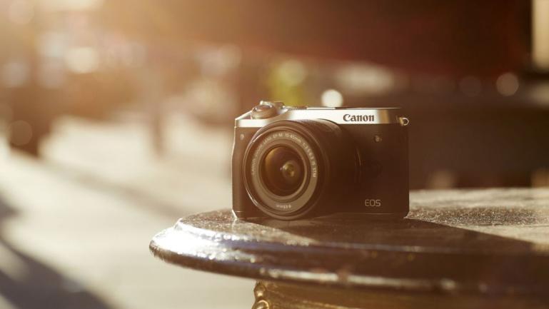 Eriti võimeka Canon EOS M6 hübriidkaamera ostul kaasa kingitus 279€ väärtuses
