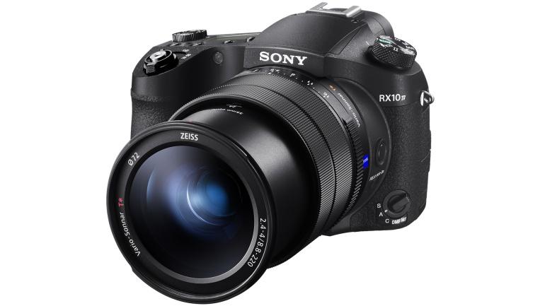 Sony DSC-RX10 IV tõstab Cyber-shot kompaktkaamerate lati kuule