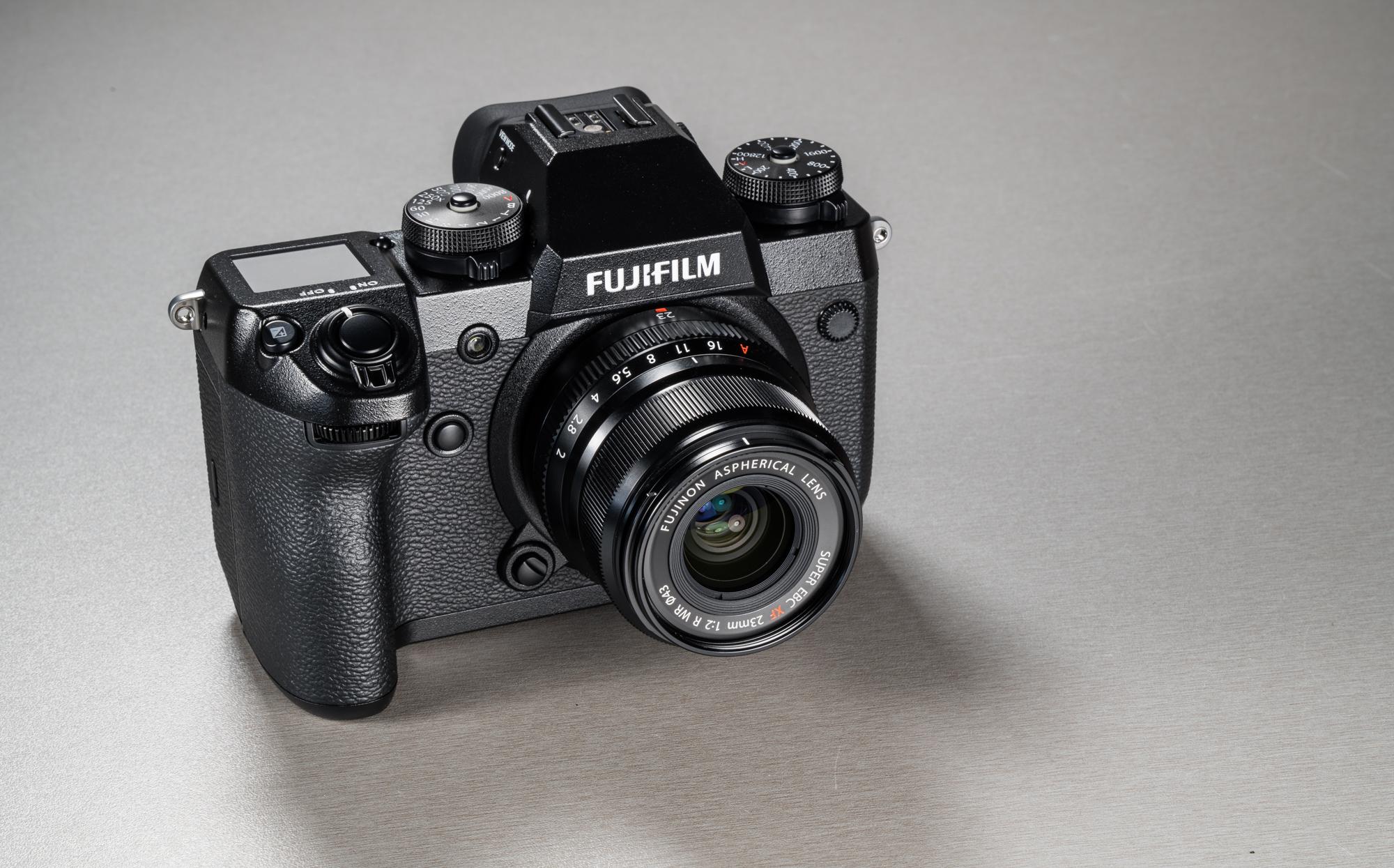 f4dadda33e5 Fujifilm X-H1 kaamera koos 23mm f/2.0 R WR objektiiviga. See kompaktne  ilmastikukindla korpusega lainurkobjektiiv sobib suurepäraselt Fujifilmi ...