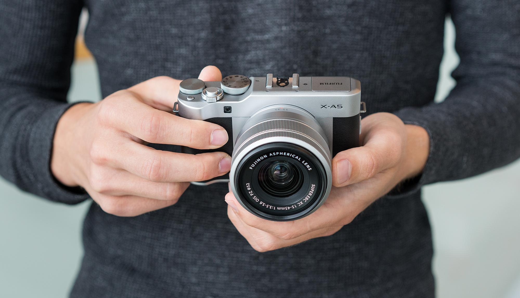 Karbist välja: Fujifilm X-A5 hübriidkaamera