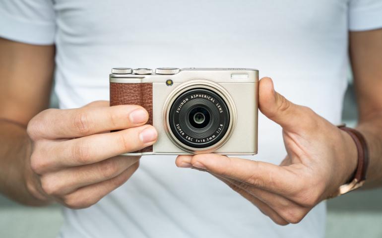 Karbist välja: Fujifilm XF10 kompaktkaamera