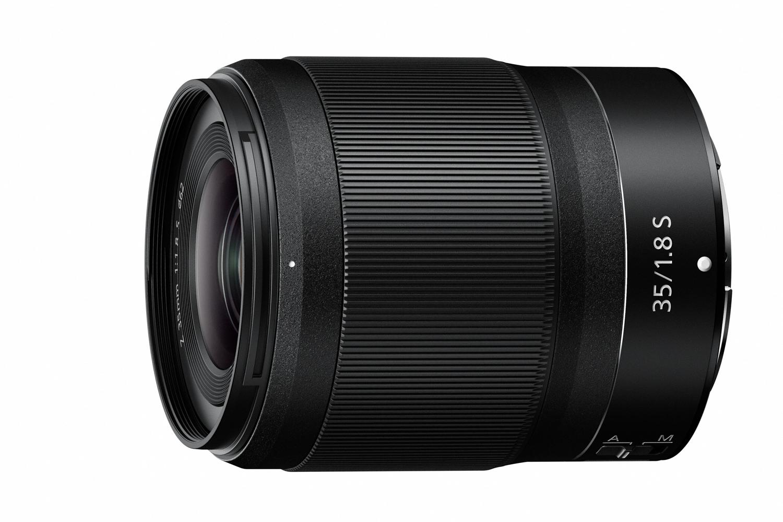 c0956eec1d3 35mm f/1.8 S on Nikoni pressiteate sõnul samuti supervinge  pildikvaliteediga. Selle puhul tõstetakse eriliselt esile kahe  autofookusmootori olemasolu, ...
