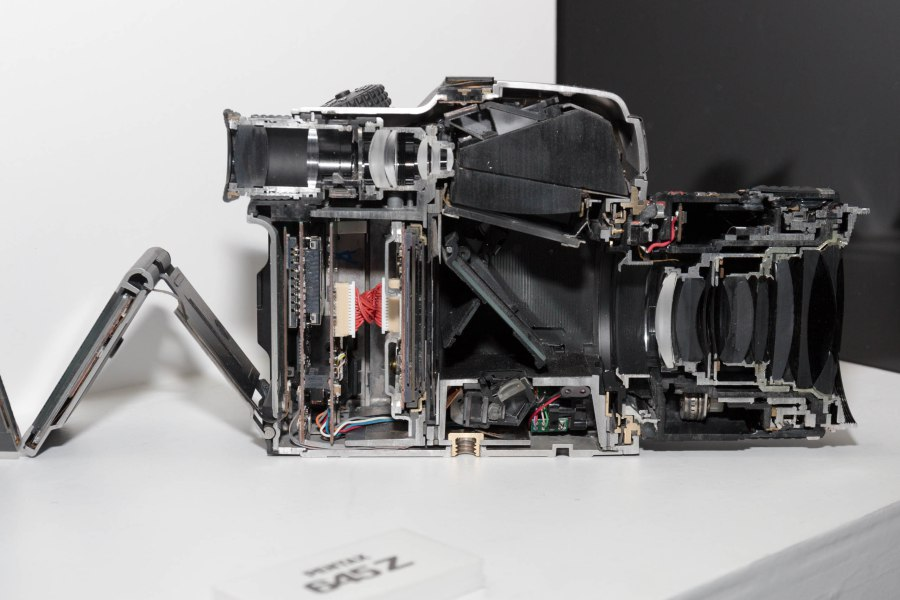 urmo-parts-pentax-645z-photopoint_2