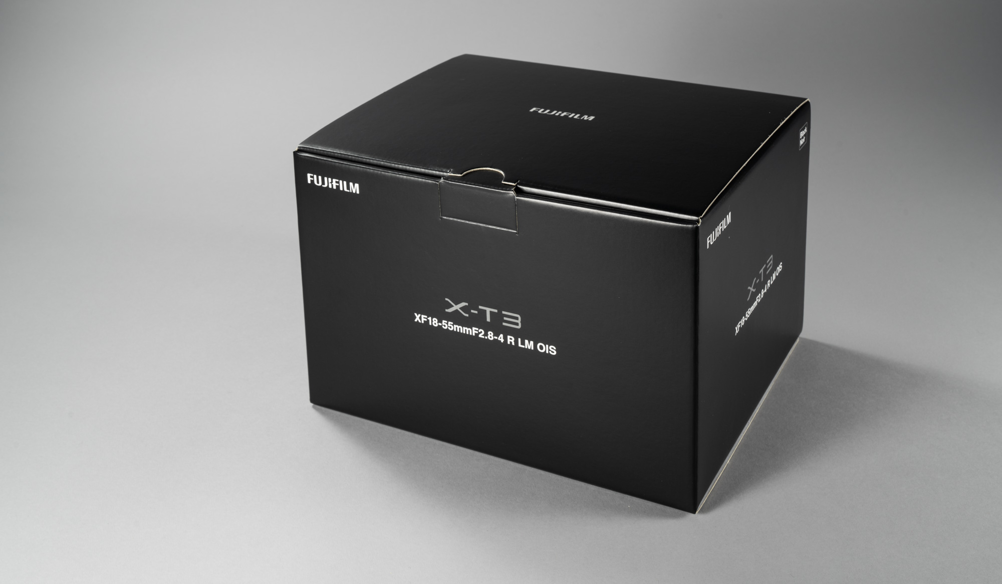 f1deb74ec3c Karbist saab välja võetud Fujifilmi X-T1 kaamera komplektis FUJINON XF 18- 55mm f/2.8-4 R LM OIS suumobjektiiviga. See on kõige standardsem ja  tavalisem ...