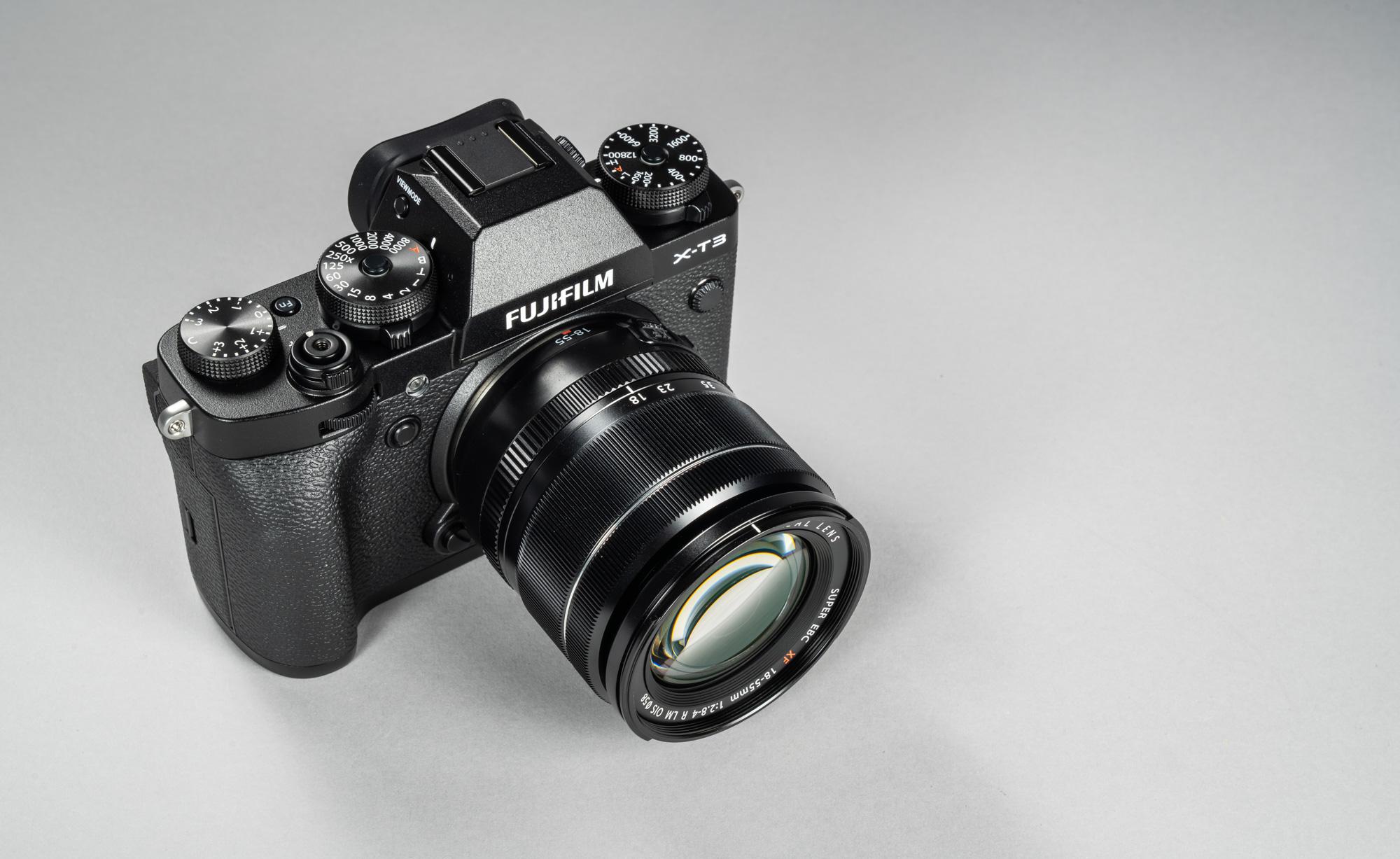 9d834673dc8 18-55mm f/2.8-4 standardsuumiga varustatult on Fujifilm X-T3 peaaegu  algtaseme peegelkaamera mõõtu – ehk üsna suur fotoaparaat. Kui tahta X-T3  ette midagi ...