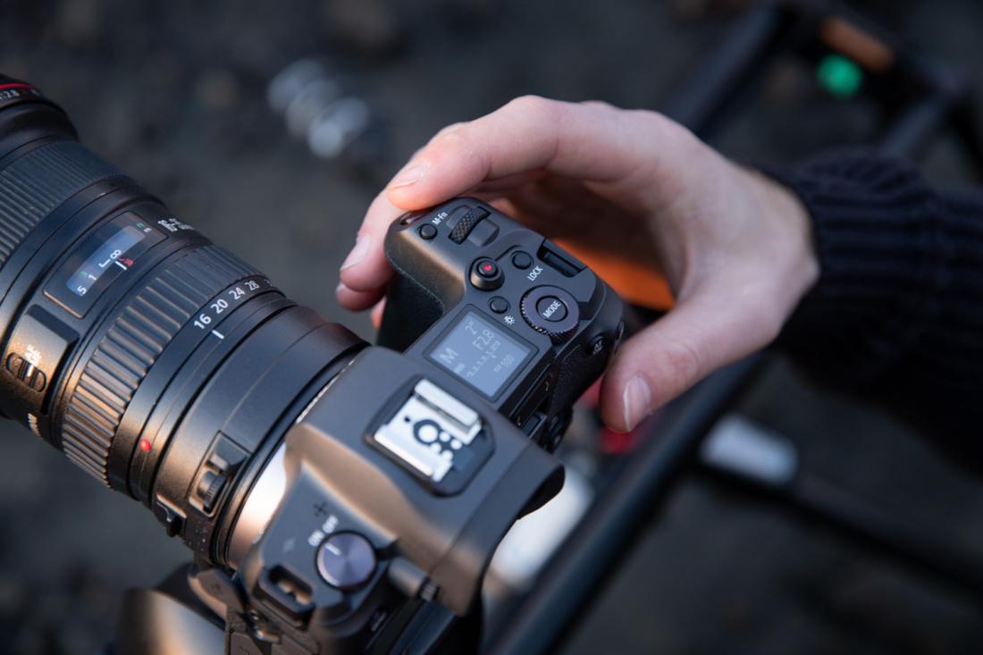 0e06c74eb80 Kui 12. september aastal 2018 avalikustati Canoni esimene täiskaader  hübriidkaamera EOS R, siis arvati, et tegemist on Canoni hübriidkaamerate  lipulaevaga ...
