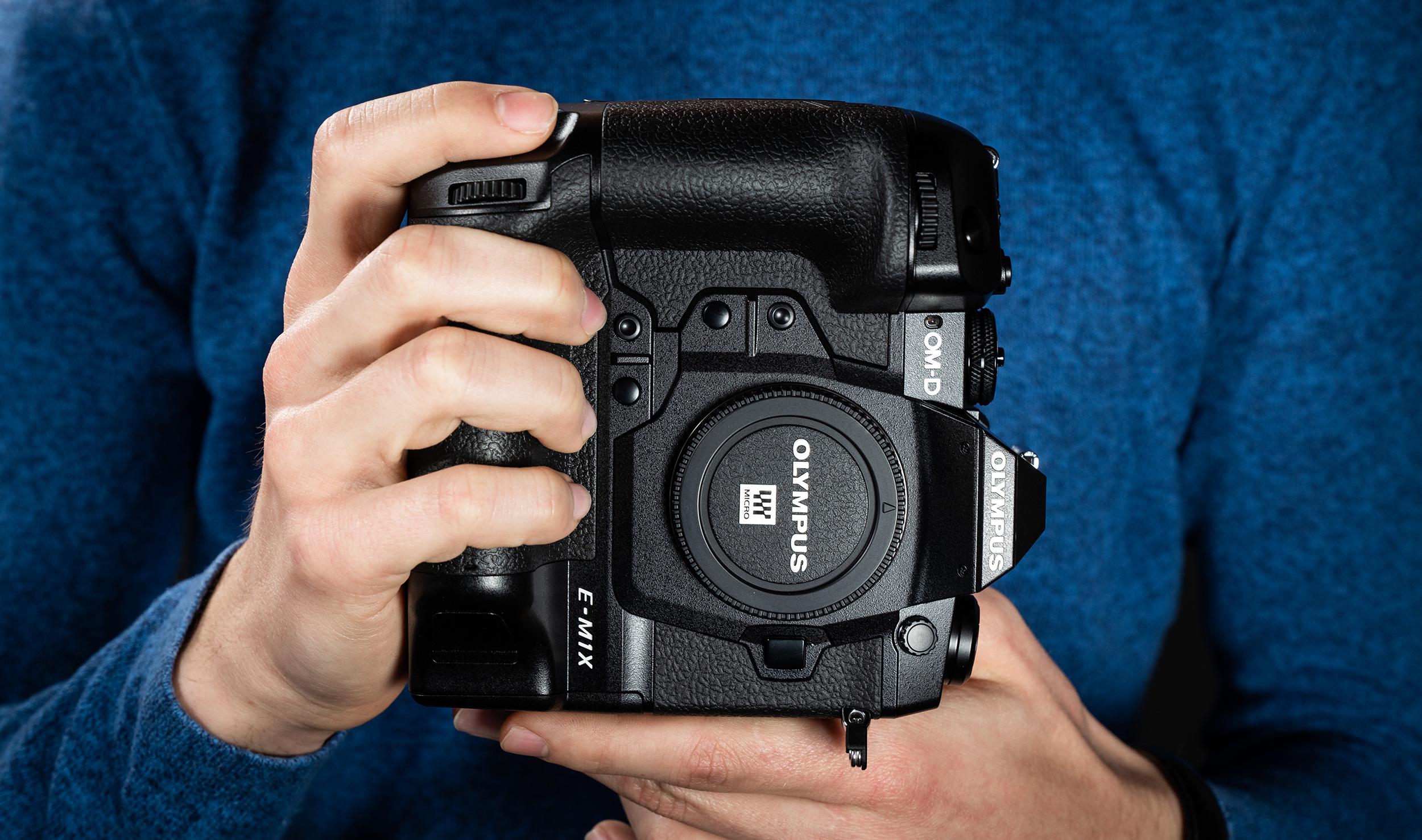Karbist välja: Olympus OM-D E-M1X hübriidkaamera