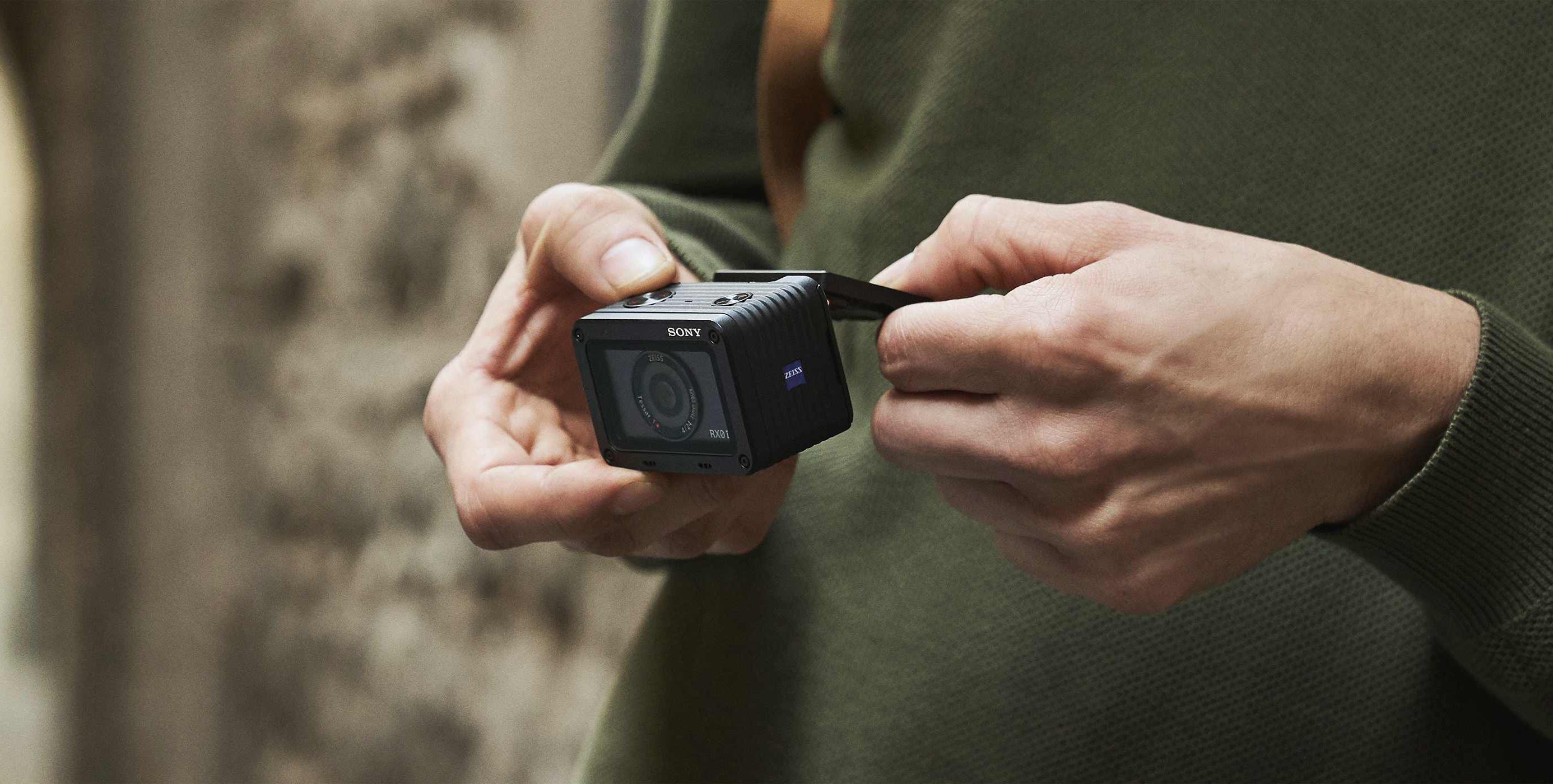 Sony RX0 II on pisike veekindel kaamerakuubik profiklassi 4K video ja sujuvate vlog klippide jaoks