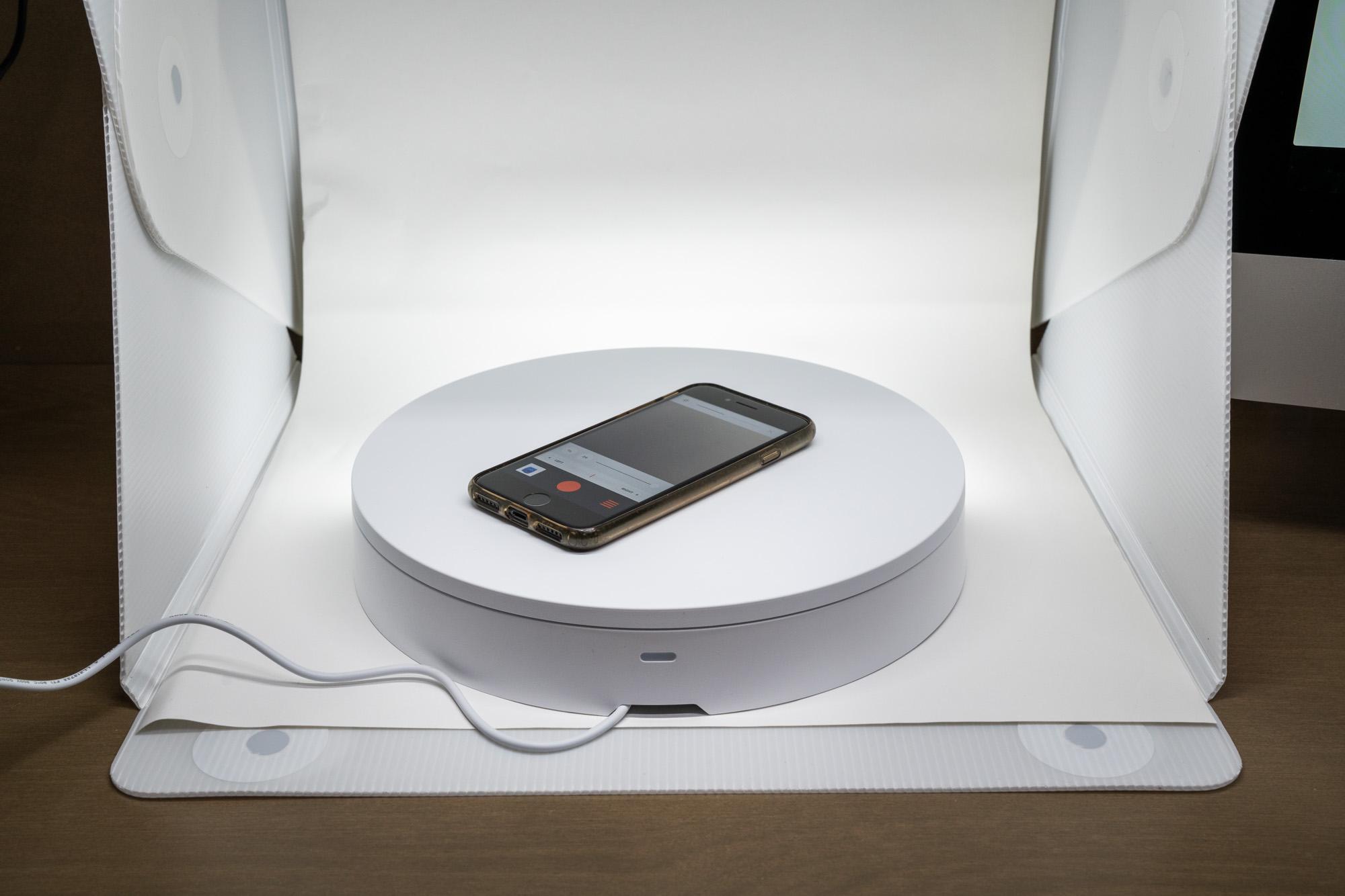 Karbist välja: Orangemonkie Foldio360. Pöörlev pildistuslaud tootepildistamiseks kaamera või nutitelefoniga