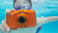 Veekindel ja mängimiseks valmis: saage tuttavaks - uus Nikon Coolpix W150