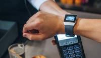 Pank sinu käel - kasuta maksmiseks Garmin või Fitbit nutikella