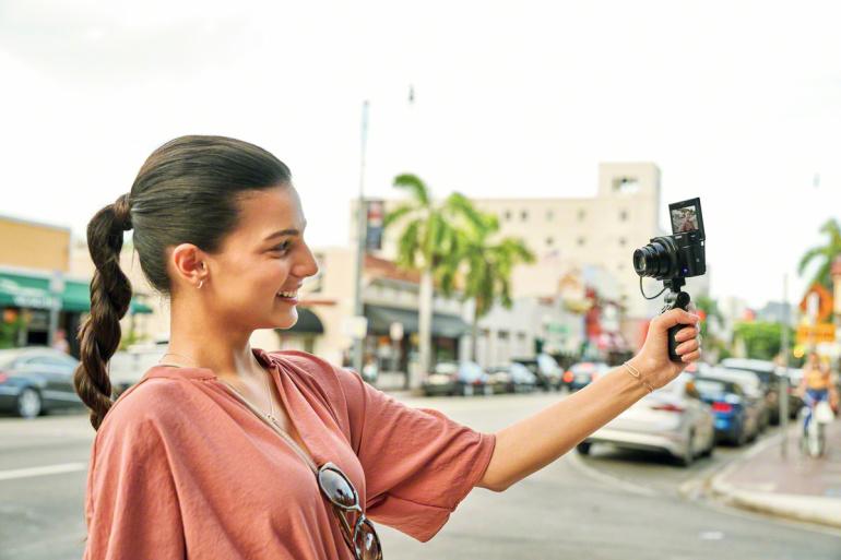 Sony avalikustas uue taskukaamera DSC-RX100 VII, millel on 90 fps sariv׃µte ja mikrofoni sisend