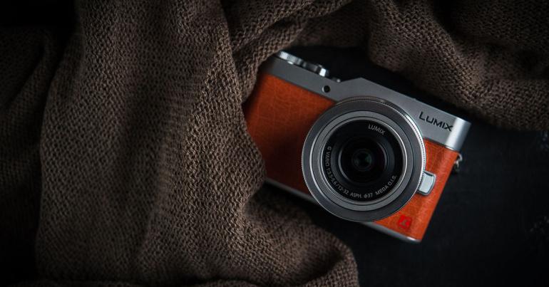 Bloggerite lemmik hübriidkaamera Panasonic Lumix GX800 on kuni 200€ odavam